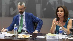 Sagaseta y Raquel Martínez, del Consejo General de COF