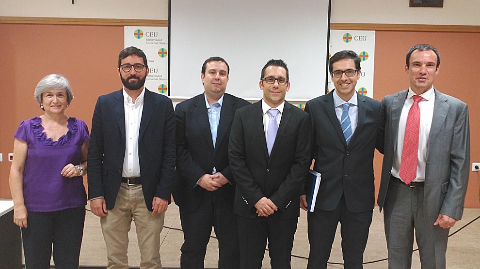 los investigadores Empar Lurbe (HGV), Ausiás Cebolla (UV), Jaime Guixeres (UPV), Alejandro Brunó (CEU-UCH), Julio Álvarez-Pitti (HGV) y Juan Francisco Lisón (CEU-UCH).