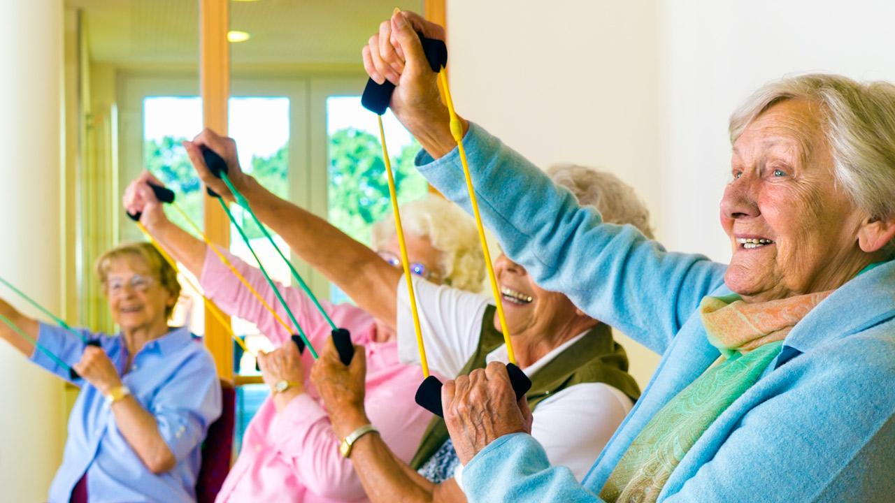 mejorar la agilidad y flexibilidad de las personas mayores